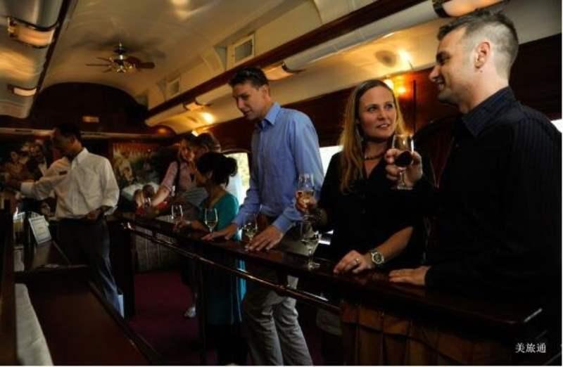 《纳帕品酒小火车 Napa Valley Wine Train》