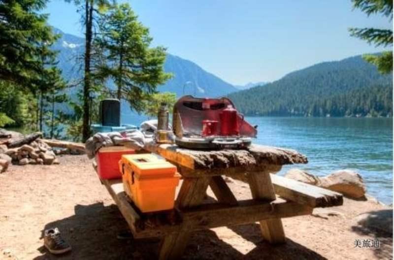 《北瀑布国家公园的酒店和营地》