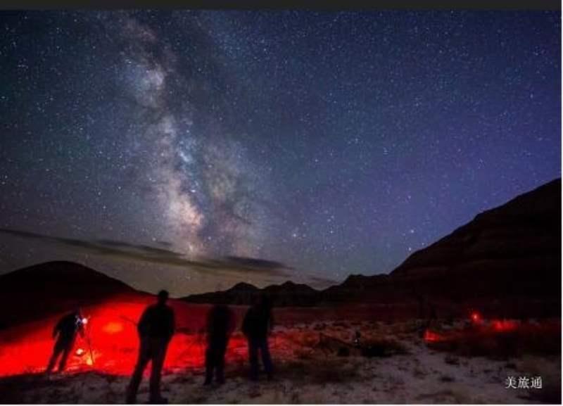 《恶地国家公园的观星》
