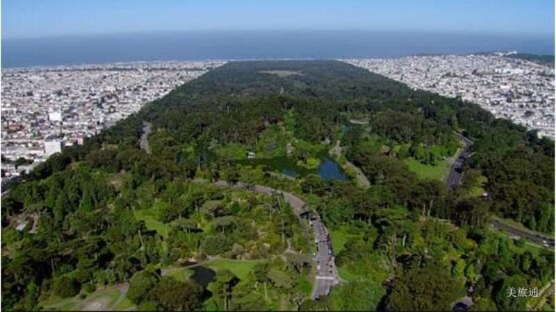 《金门公园的入口在哪里?》