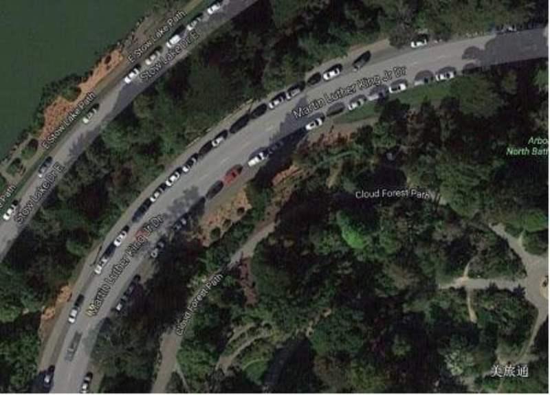 《金门公园内可以停车么?》