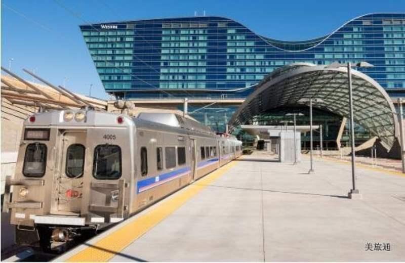 《从丹佛机场到市区》