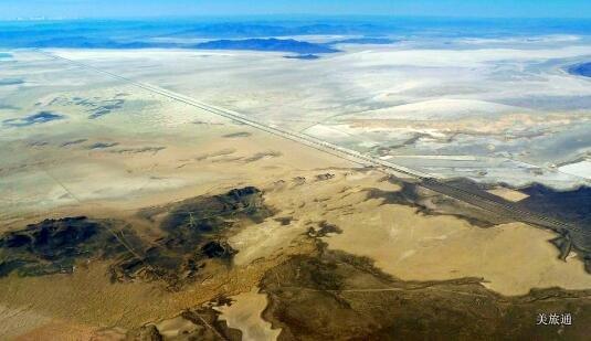《盐湖城天空之镜攻略 Bonneville Salt Flats美国旅游攻略组成员 美国旅游攻略》