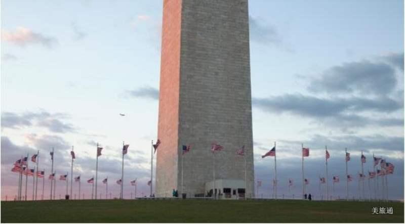 《华盛顿纪念碑》