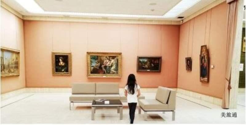 《巴尔波亚公园内的主要美术馆》