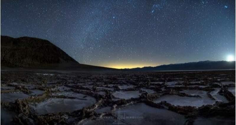 《死亡谷公园的观星》