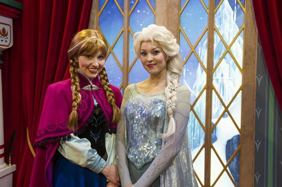 anna-elsa-norway-epcot-112112